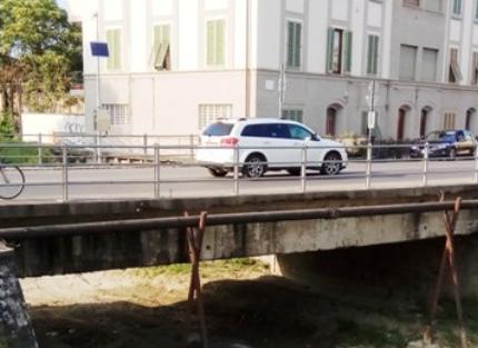 Test di carico per il ponte sull'Orme (Empoli): chiuso sulla statale nella notte di giovedì 12 luglio
