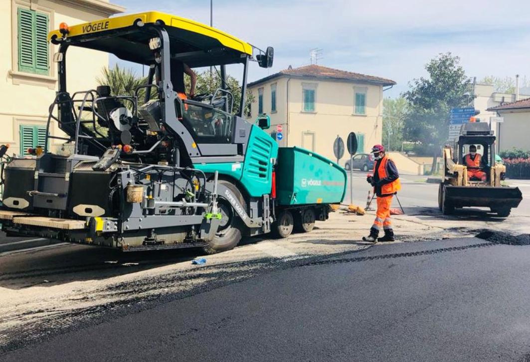 Nuovo asfalto in via delle Cinque Vie, ripristini in viale Fratelli Rosselli, viale Belfiore e via Santa Maria a Cintoialavori della settimana