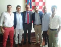 Al centro: il sindaco del comune di Marliana Marco Traversari, il presidente della Federazione italiana hockey su prato Sergio Mignardi e il sindaco di Pistoia Samuele Bertinelli