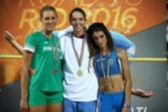 Anna Pau è la prima a destra