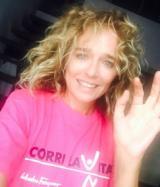 Valeria Golino con la maglietta di Corri la Vita