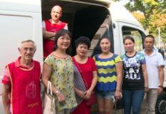 Donazione dell'associazione buddista cinese di Prato all'Emporio della Solidarieta'
