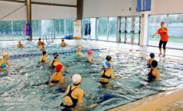 Nuoto alla piscina Costolina