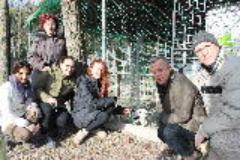 da sinistra Emilia Caligiani, una volontaria empolese, Francesca Signori, Piero Di Vita, Doriano Galgani della AP Certaldo
