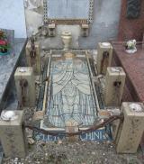 Tomba di Leto Chini nel cimitero di Scarperia