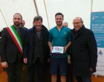 Il neo campione Toscano Matteo Trevisan premiato da Enrico Minnelli, Luigi Brunetti e Roberto Casamonti