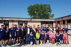 Foto di gruppo all'inaugurazione degli spogliatori dello stadio Nelli