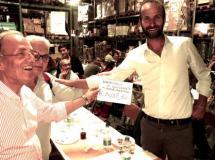A sinistra Giancarlo Romiti, presidente di Firenze Marathon, e a destra l'assessore allo sport del Comune di Firenze, Andrea Vannucci