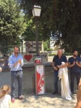 Un nuovo defibrillatore in piazza Tasso