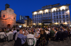 Cena in piazza Ognissanti