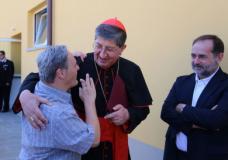 Il cardinale Betori e il presidente Carita Martini all'inaugurazione della Oda Farm Community