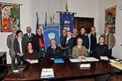 Firma compravendita sede Pubblica Assistenza Tavarnuzze (fonte foto comunicato stampa)