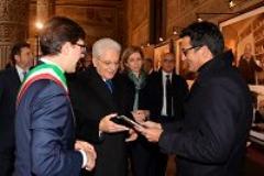 Il presidente Mattarella con il sindaco Nardella visita la mostra 'Soli mai'