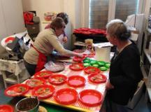 Si prepara il pranzo di Natale alle Pubblica Assistenza Tavarnuzze