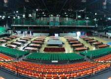 Il Mandela forum arredato per la conferenza (fonte foto R.T.)