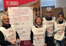 I volontari alla raccolta alimentare (foto da comunicato)