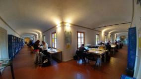 La biblioteca Comunale Fucini (foto da comunicato)