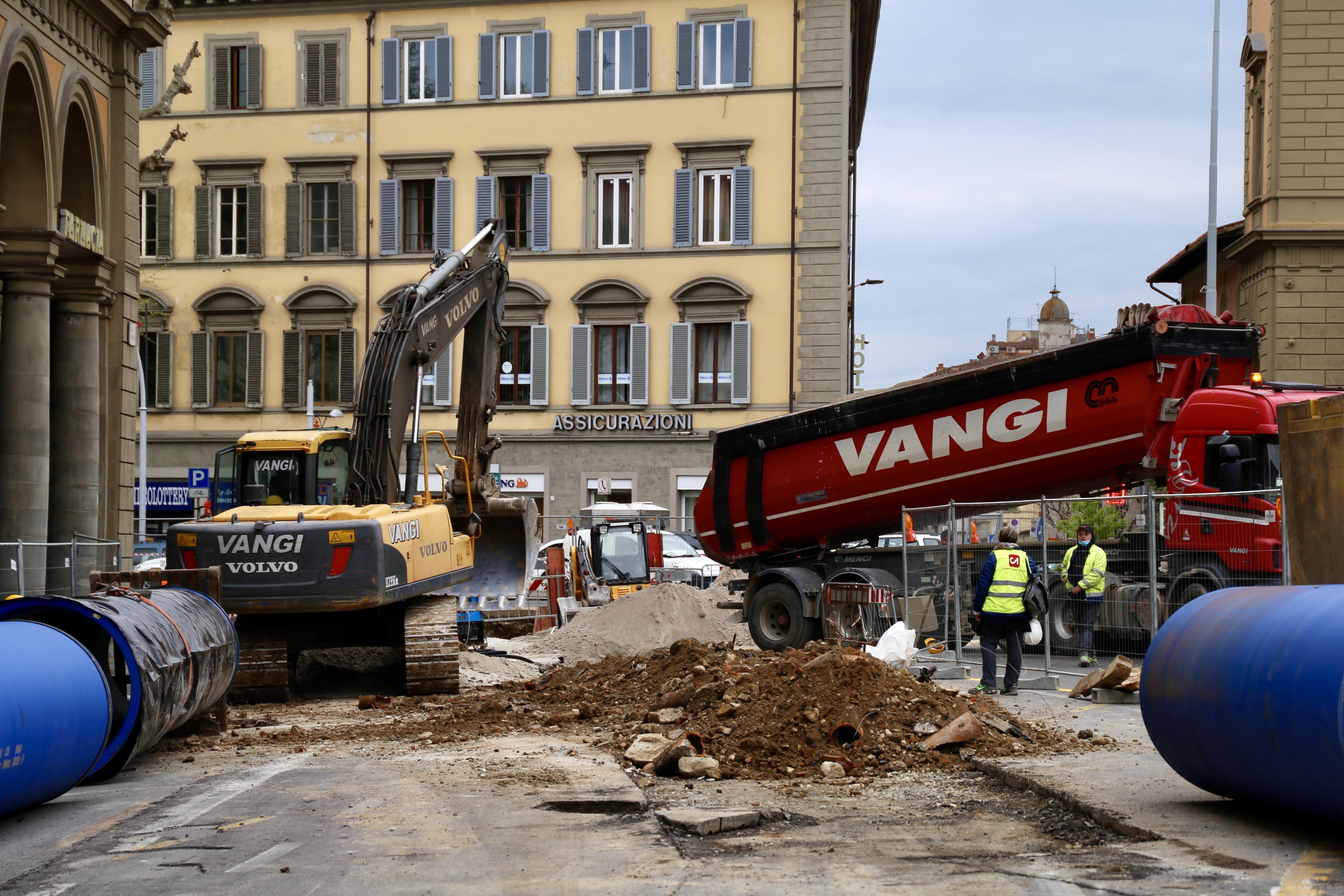 Firenze. Tramvia, da domani 30 luglio nuova fase dei lavori di Publiacqua in piazza della Libertà